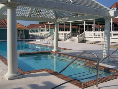 waterside_villages_of_currituck_-_outdoor_community_pool_400